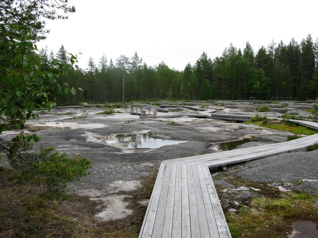 Мостки на каменное плато