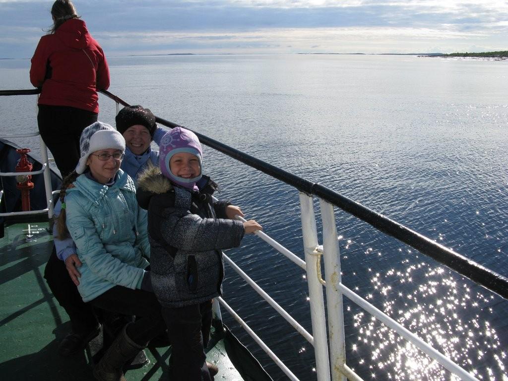На палубе теплохода Василий Косяков