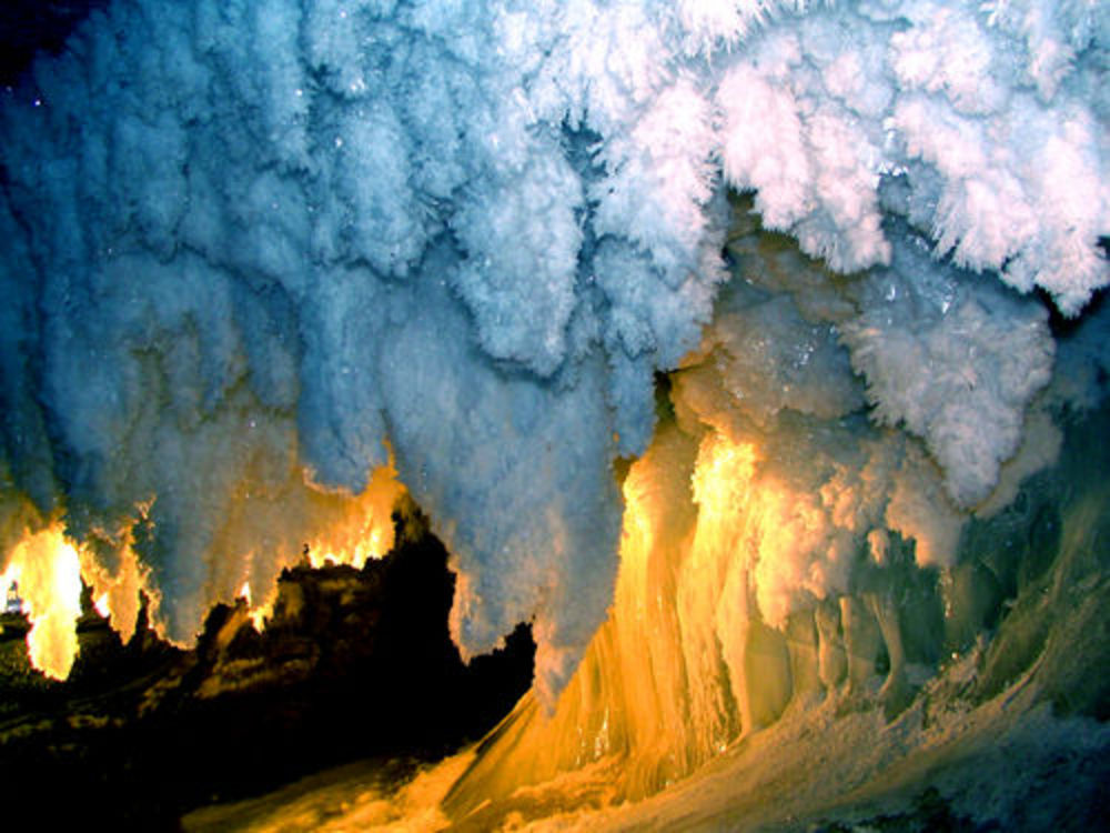 Кунгурская пещера ледяные кристаллы