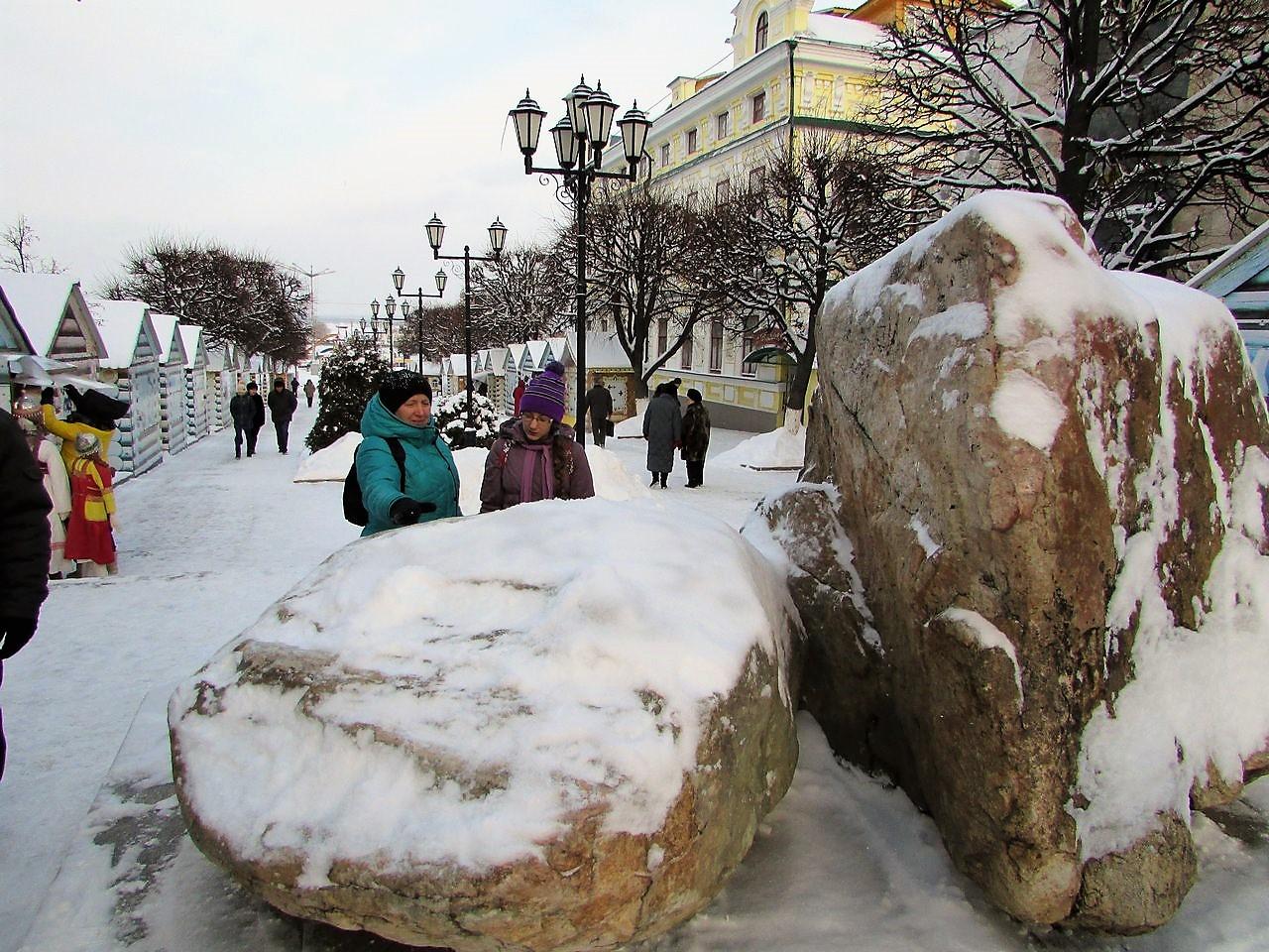 Камни арт-объекты