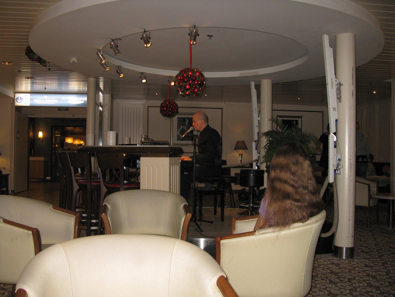 В piano-баре