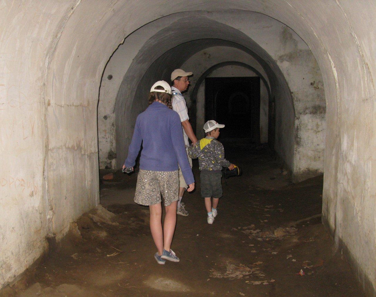 В подземных переходах