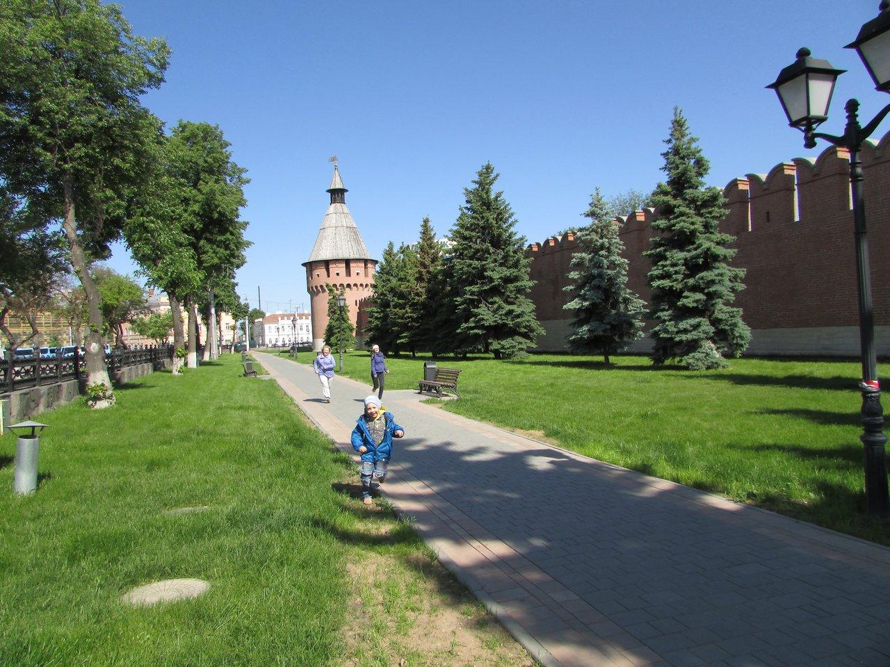 Наперегонки вдоль кремлевских стен