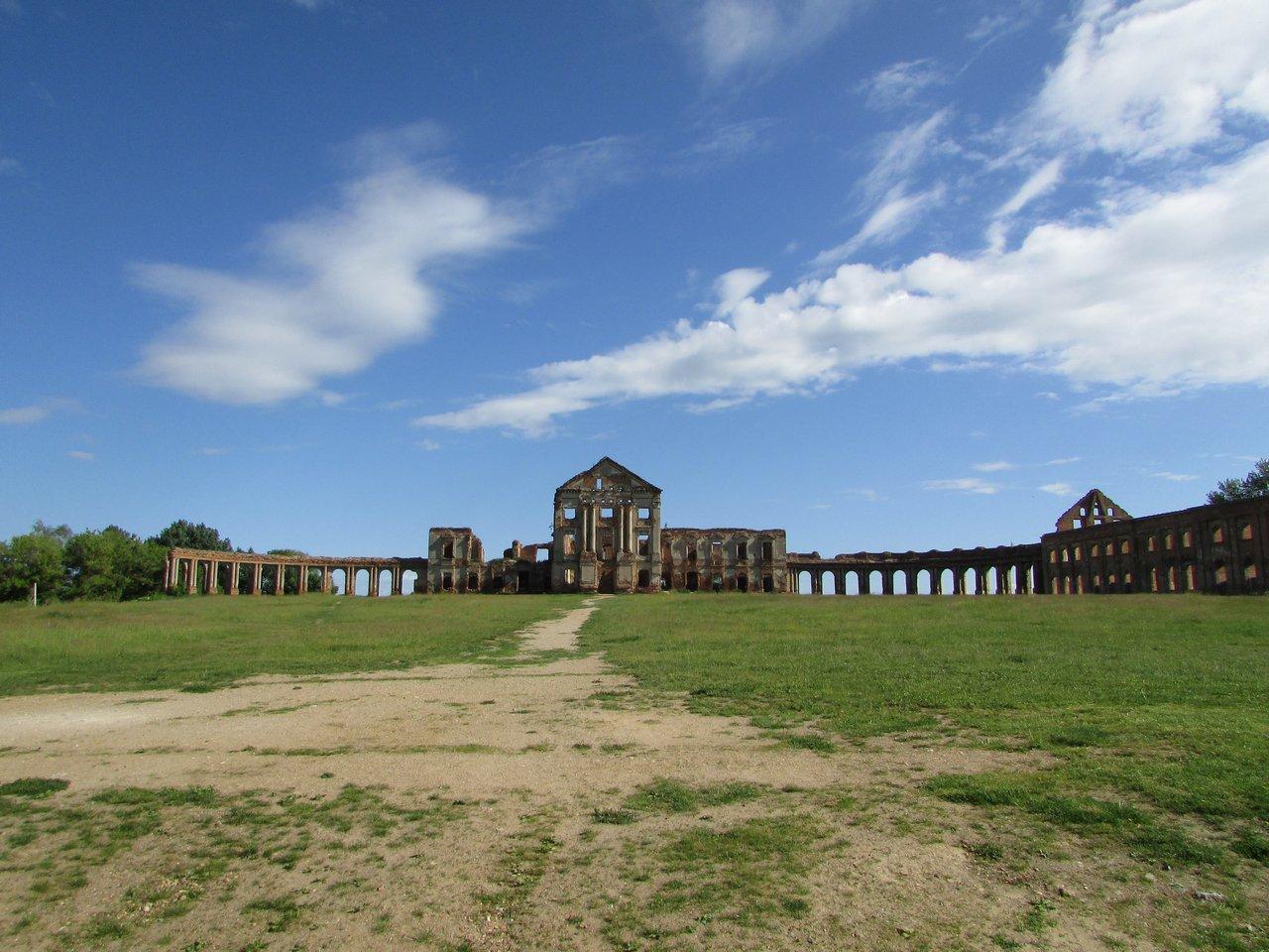 Руины дворца Сапег