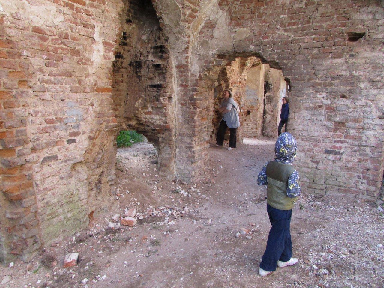 Дворцовые руины