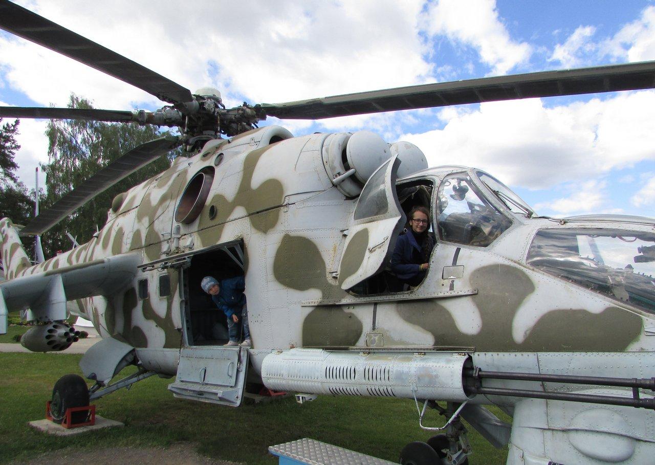 В кабине Ми-24