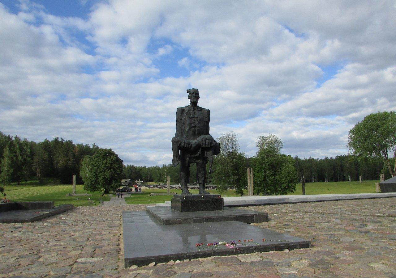 Мемориал на месте сожженной деревни