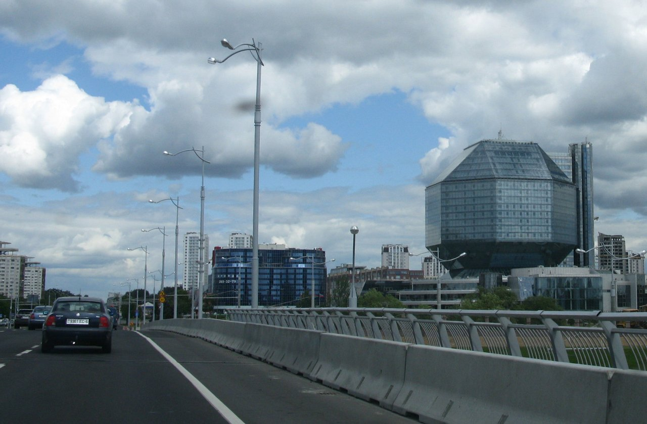 На машине по Минску