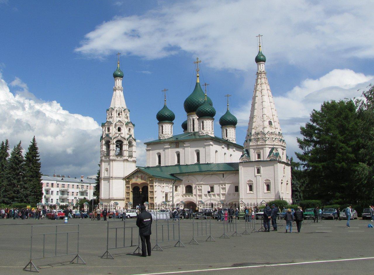 Храм Ильи Пророка на Советской площади Ярославля