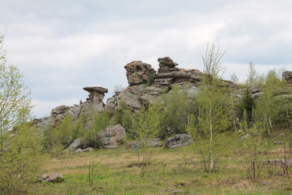 Каменные останцы на горе Крестовая