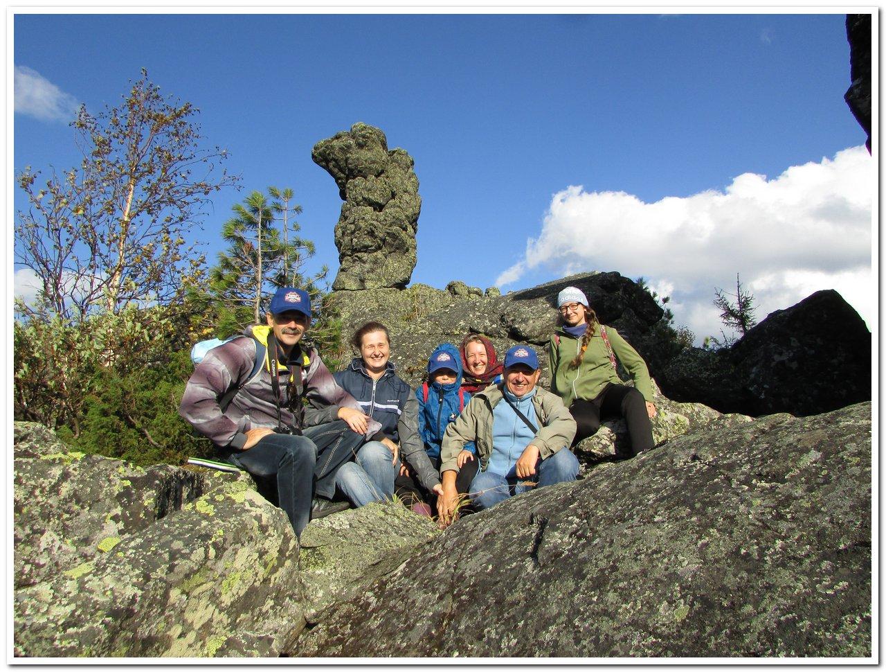 Фото на фоне горы Верблюд в Пермском крае