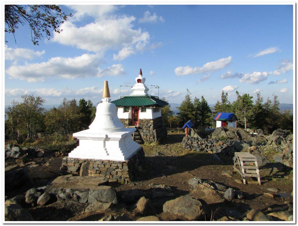 Ступа и главный храм