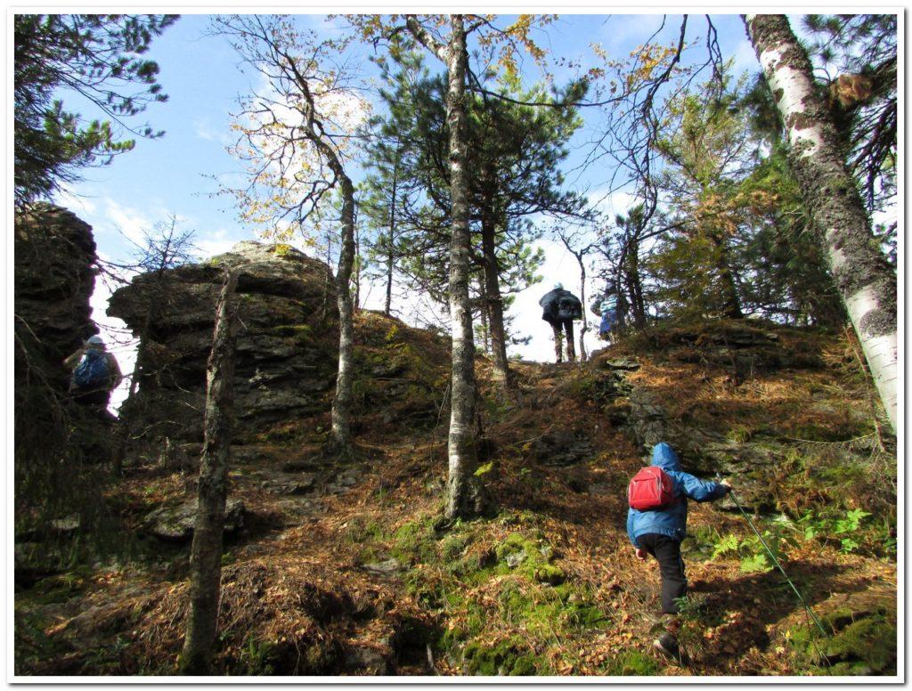 Обследуем скалы