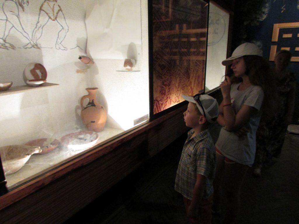 В залах Археологического музея