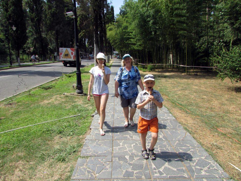 Прогулка по Пицунде