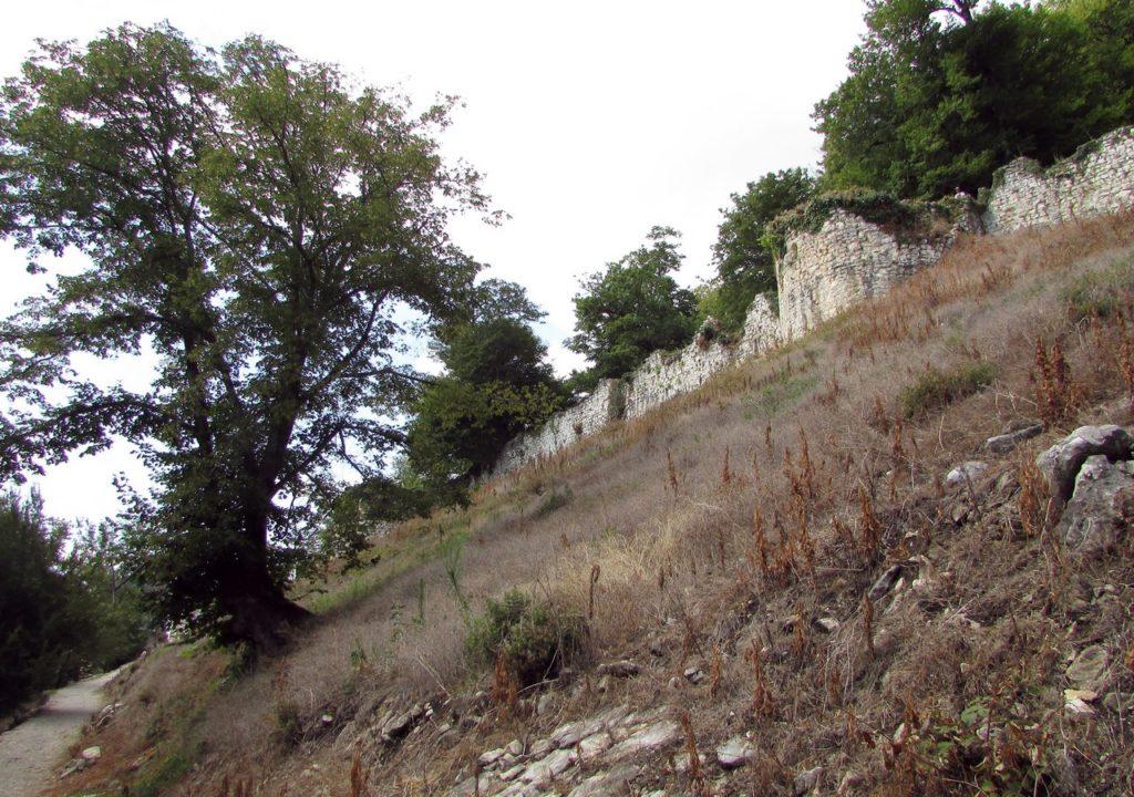 Нижний пояс оборонительных укреплений