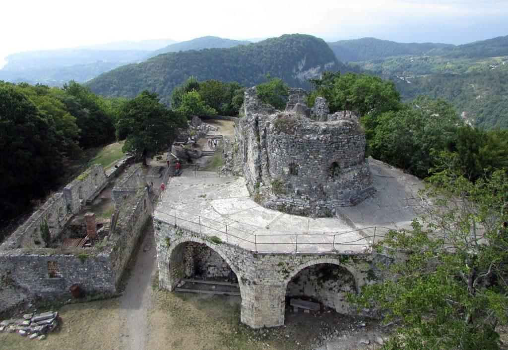 Развалины христианской часовни