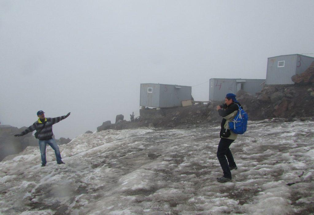 Фото на память на высоте 4080 м