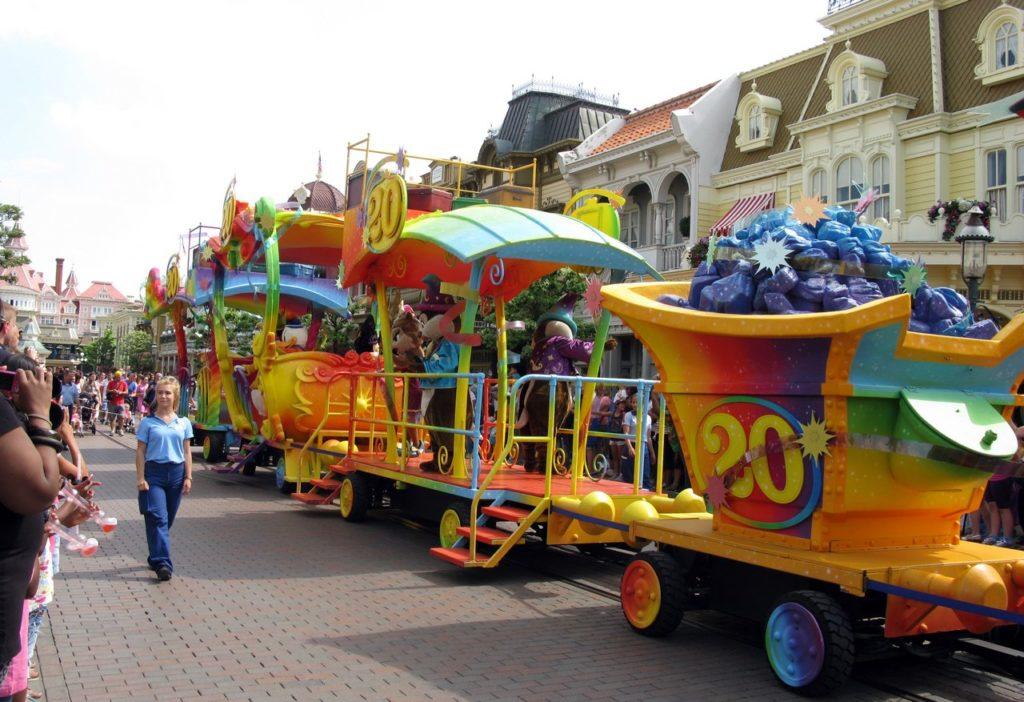 Парад на главной улице Диснейленда