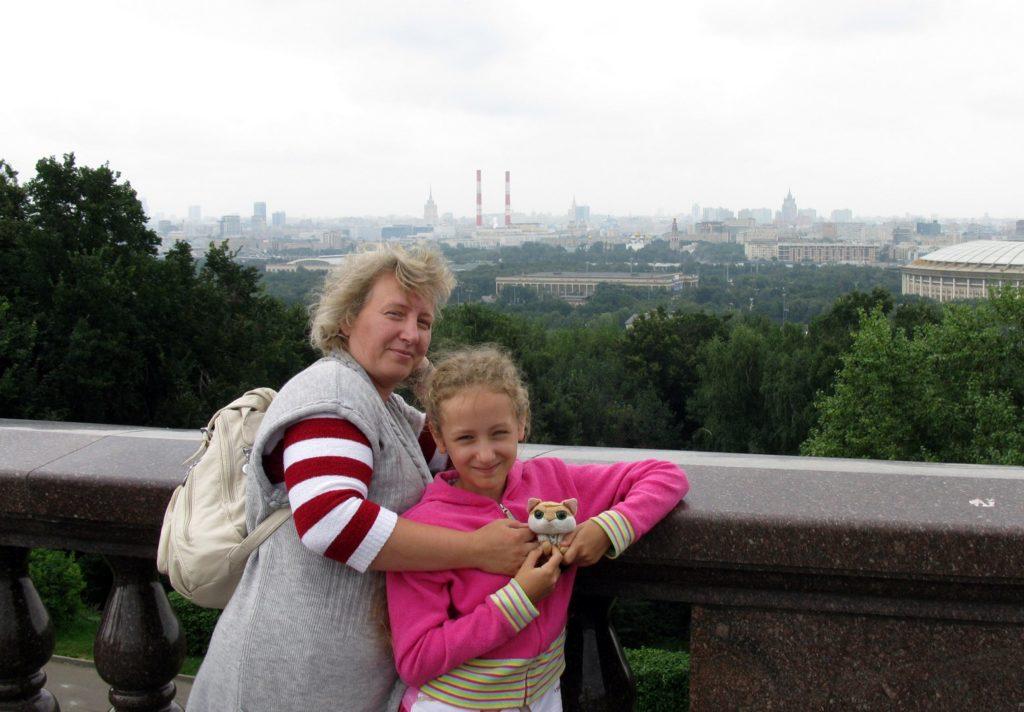 На смотровой площадке Воробьевых гор