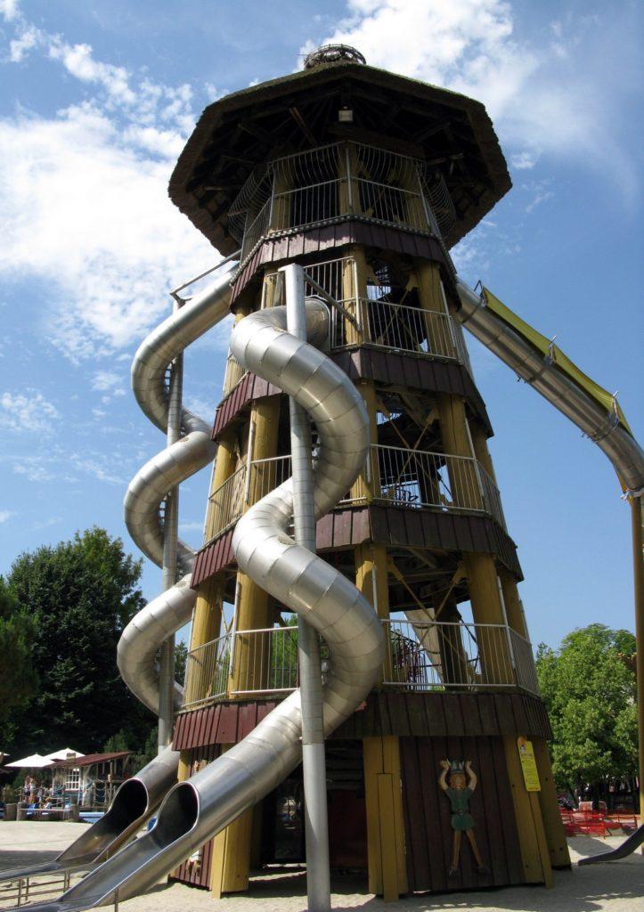 Супер башня с детскими горками