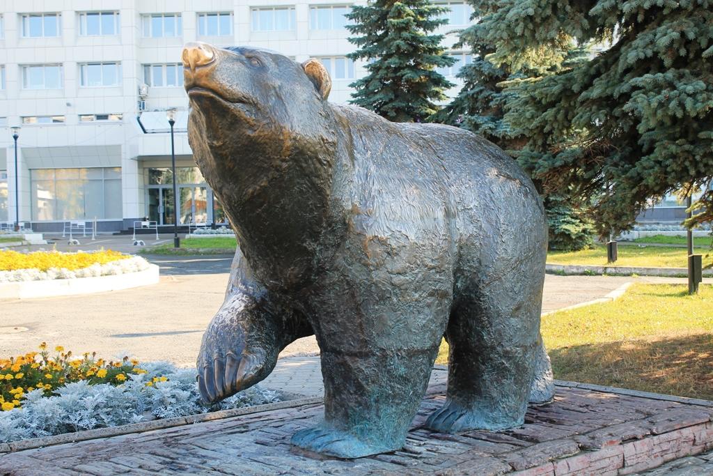 Памятник медведю в перми фото