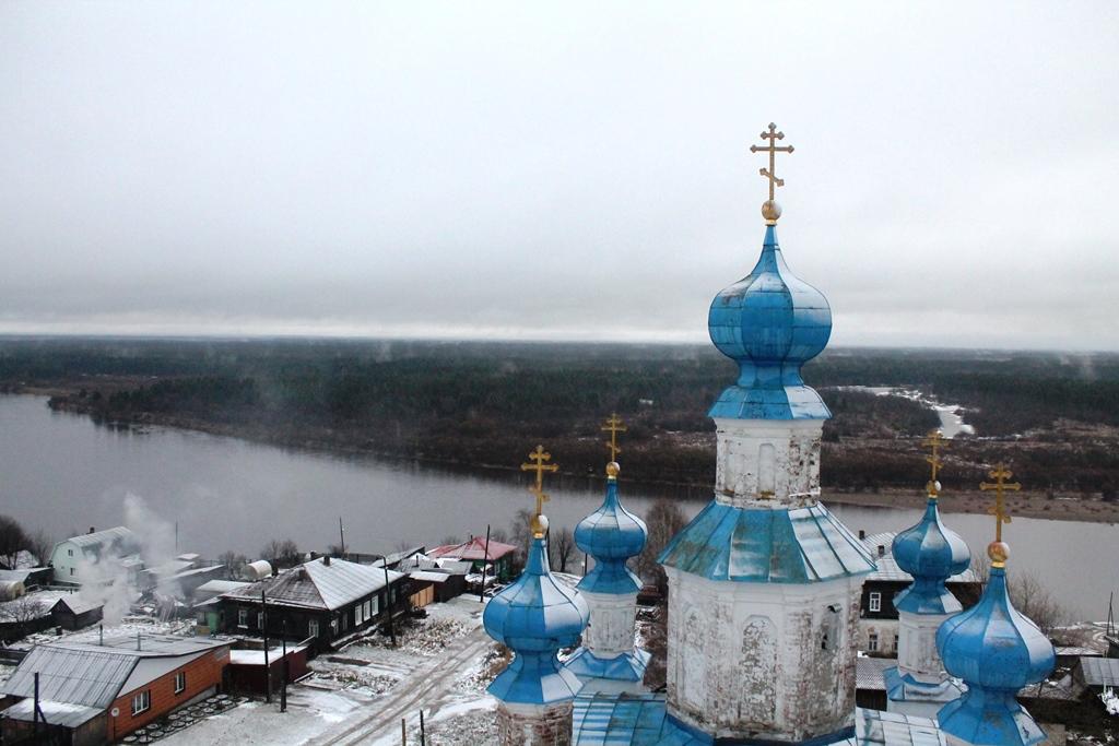 Вид с колокольни Воскресенской церкви